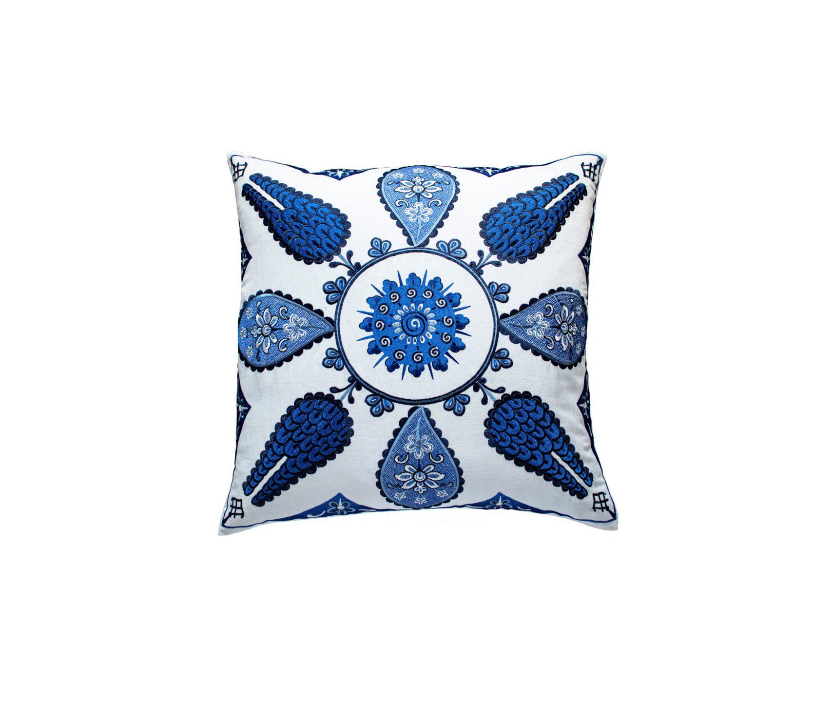 Ann-Gish_Iznik-Pillow_int_products