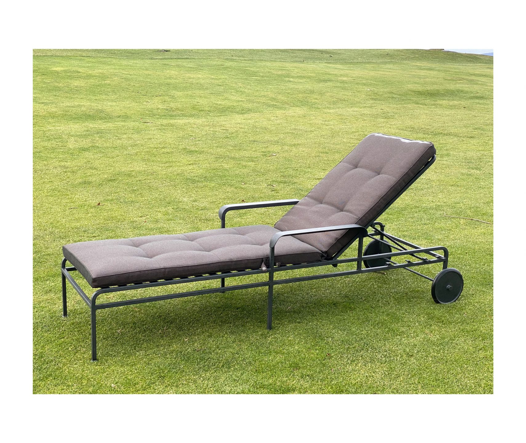 Munder-Skiles_Seibert-Chaise-Lounge-2_int_products