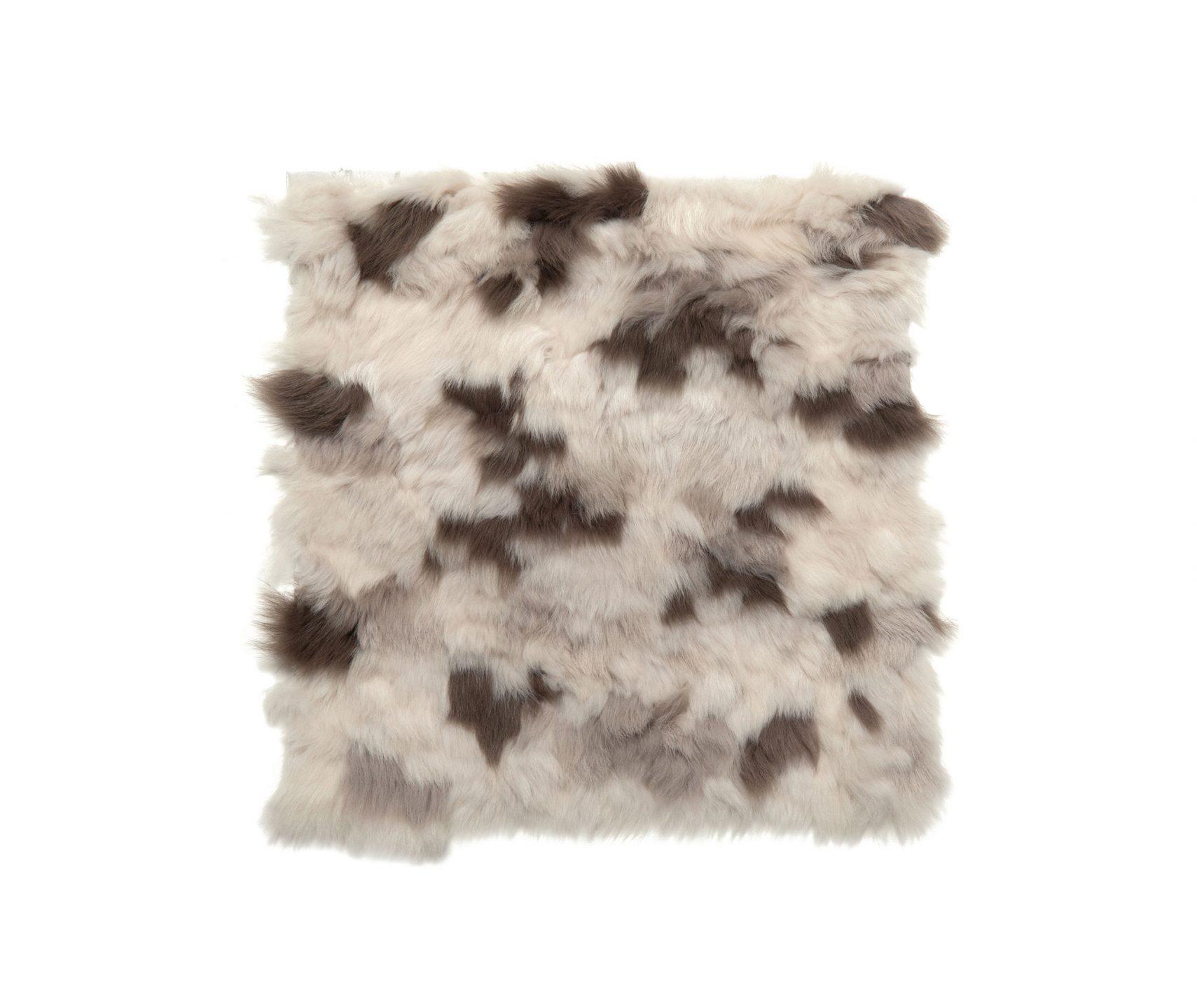 Rosemary-Hallgarten_Valloire-Pillow_int_products