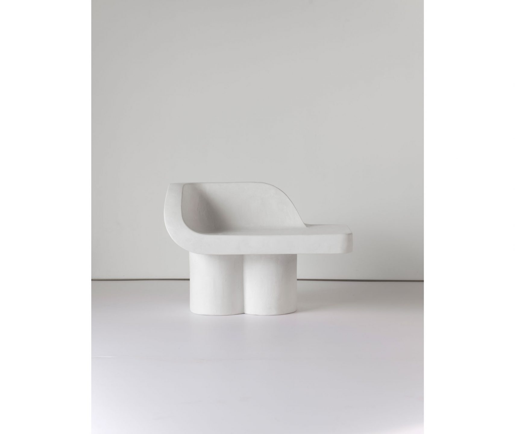 Wexler_Sometimes-A-White-Elephant-Chaise-2_int_products